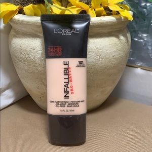 L'Oreal infallible pro mat 24 hour foundation